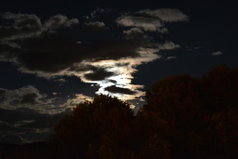 Superluna oculta tras las nubes (14 noviembre 2016)