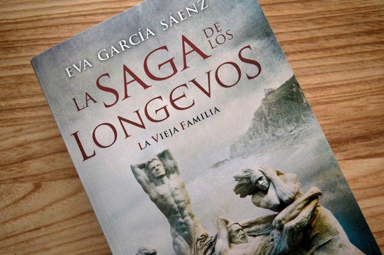 La saga de los longevos de Eva García Sáenz de Urturi: la otra cara de la eterna juventud